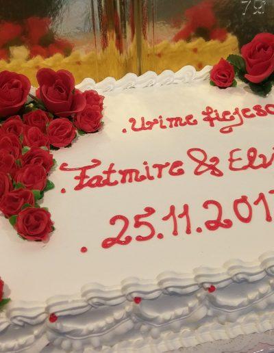 Nr.118-Verlobung-Hochzeitstorte-40X30cm-mit-Kunstblumen